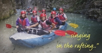 "Piove? Rafta e canta con noi: ""...singing in the rafting!"""